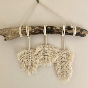 Boho macrame feathers for your bohemian style home